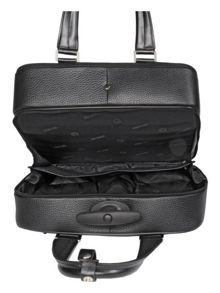 Женская дорожная сумка на колесиках имеет привлекательный яркий дизайн и...